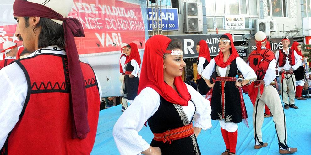 Dondurma festivalinde ikinci gün! Dursun Ali Erzincanlı ve Arslanbek Sul 1