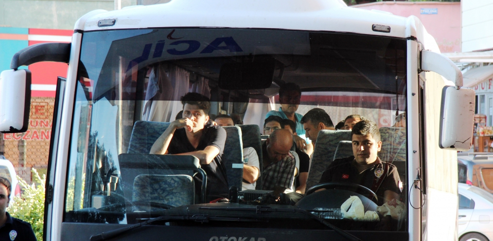 Kahramanmaraş'ta 12 polis tutuklandı 3