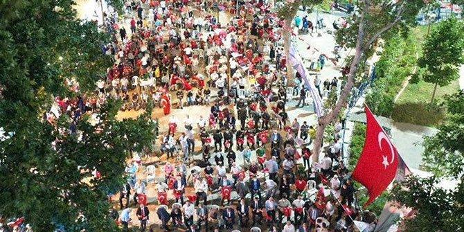 Kahramanmaraş'ta vatandaşlar Demokrasi Meydanı'na akın etti