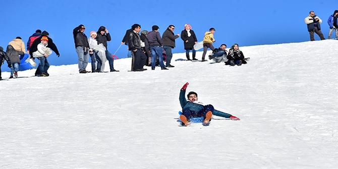 Yedikuyular Kayak Merkezi'ne mevsimin ilk karı yağdı 1