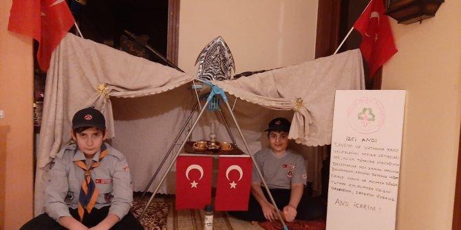 Kahramanmaraş'ta evleri, izci kampına dönüştürdüler