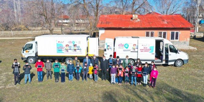 Kahramanmaraş'ta mobil araçlar Eba'yı öğrencilerin ayağına götürüyo