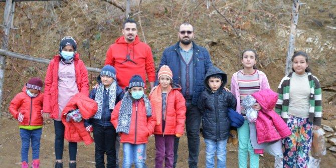 Kahramanmaraş'ta yeni yılda ihtiyaç sahibi çocukları sevindirdiler