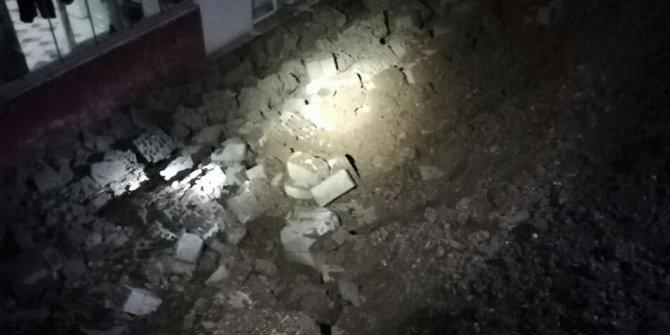 Kahramanmaraş'ta apartmanın istinat duvarı çöktü