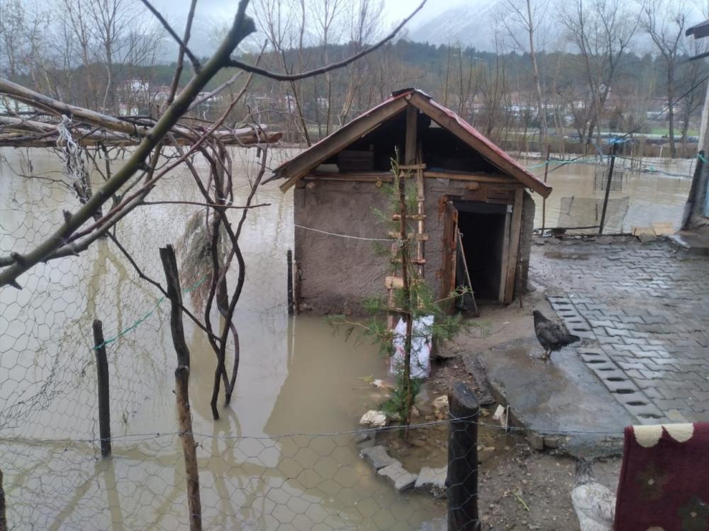 Sel sularının etkili olduğu bölgede 5 ev tahliye edildi 1