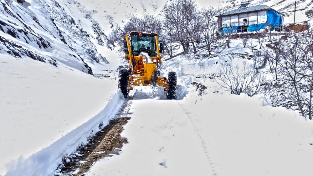 Kahramanmaraş'ta karla mücadele çalışmaları sürüyor 1