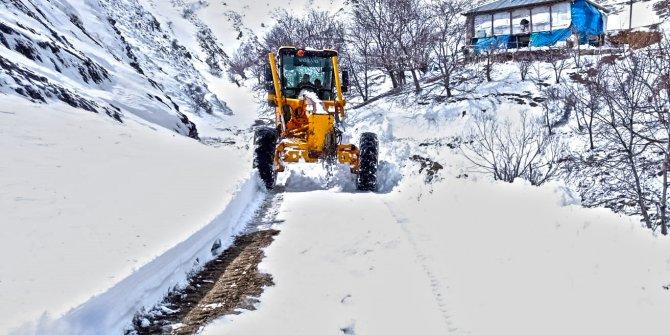 Kahramanmaraş'ta karla mücadele çalışmaları sürüyor
