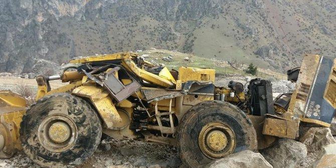 Kahramanmaraş'ta iş makinesi uçuruma yuvarlandı