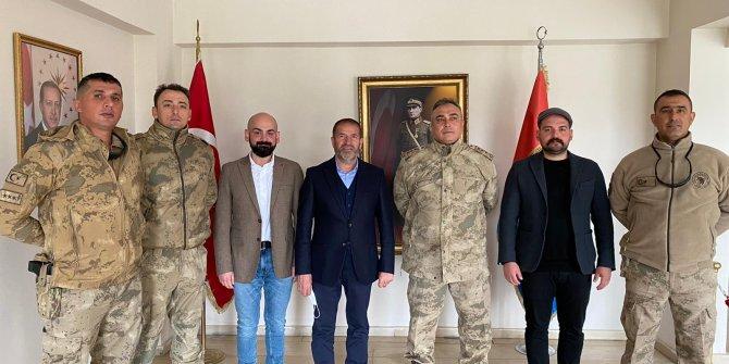 Kahramanmaraşlı iş insanlarından Mehmetçiğe moral ziyareti