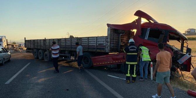 Kahramanmaraş'ta tır ile traktör çarpıştı: 3 yaralı
