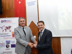 """KSÜ'de """"Batı Trakya Türkleri ve Türk Dış Politikası"""" Konulu Konferans Düzenlendi"""