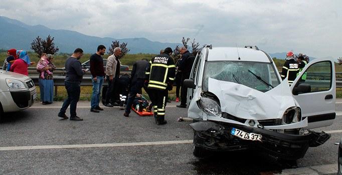 Kocaeli'de trafik kazası: 6 yaralı