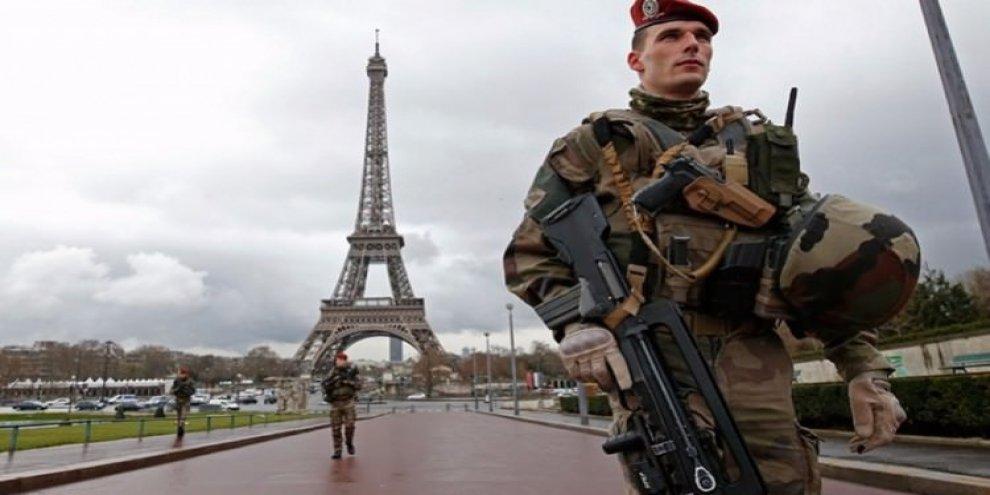 Fransa'da OHAL, 2 yılın ardından sona erdi