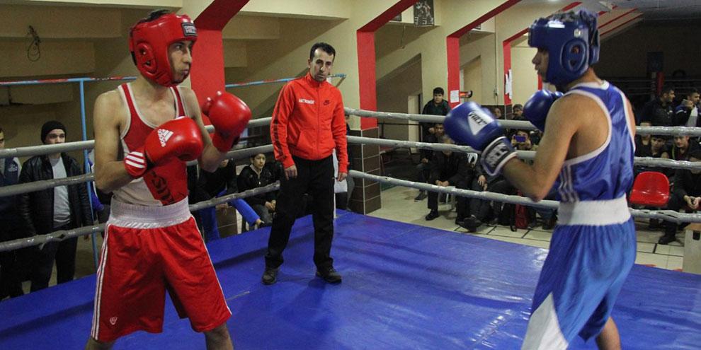 Okul sporları boks gençler il birinciliği turnuvası