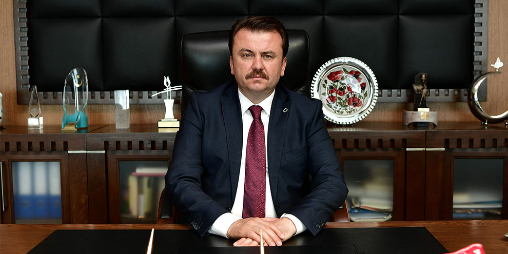 """Başkan Erkoç: """"Türk edebiyatının başı sağolsun"""""""
