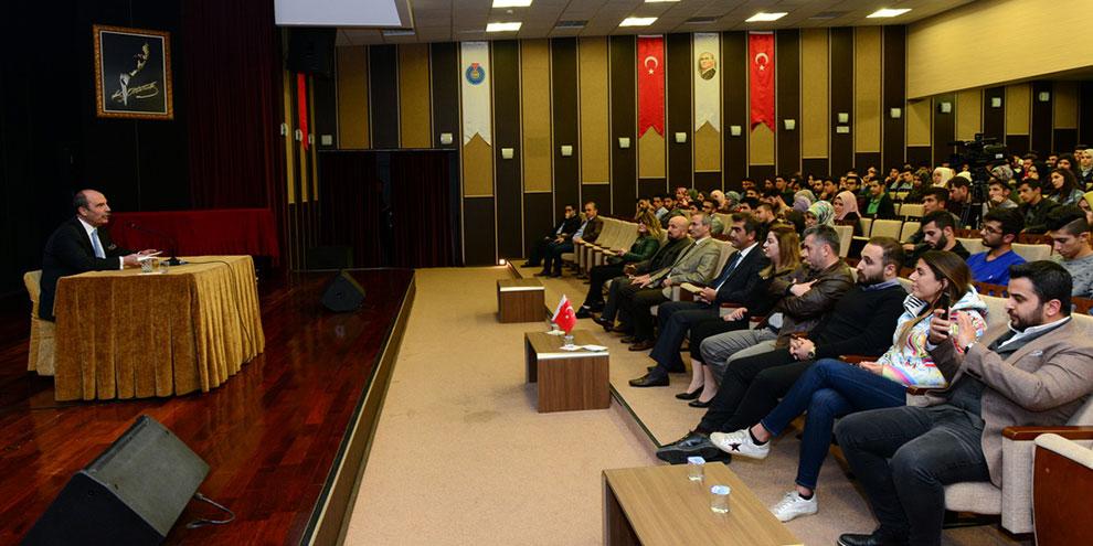 """Şahin Balcıoğlu, KSÜ'de """"Sevgi ve Başarı"""" konulu söyleşi gerçekleştirdi"""