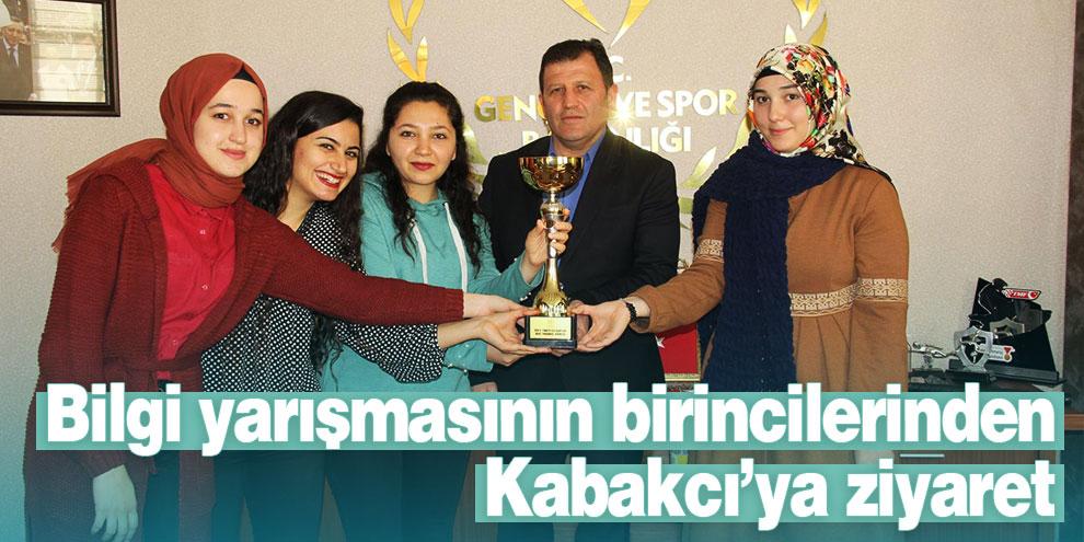 Bilgi yarışmasının birincilerinden Kabakcı'ya ziyaret