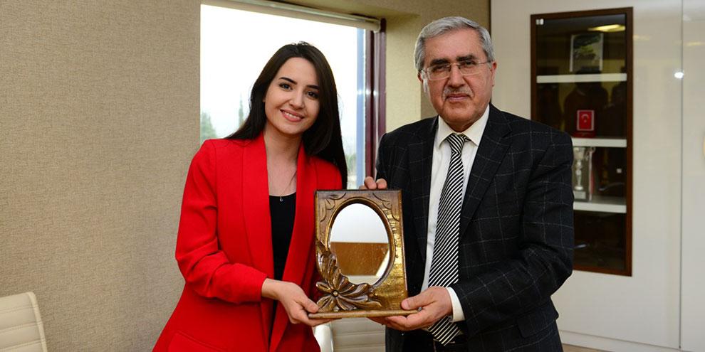 """KSÜ'de """"İletişimin İyi Hali"""" konulu konferans düzenlendi"""