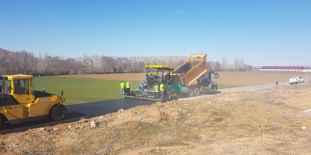 Büyükşehir'den Elbistan'a 10 günde 17 bin ton sıcak asfalt