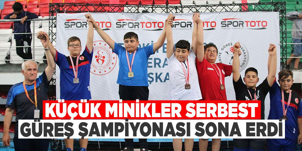 Küçük Minikler Serbest Güreş Şampiyonası sona erdi
