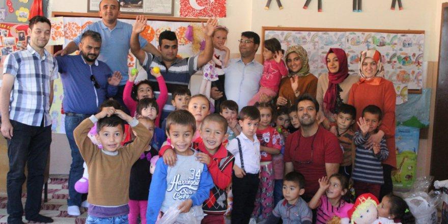 Gönüller Bir Olsun Türkoğlu'nda Gönül Aldı