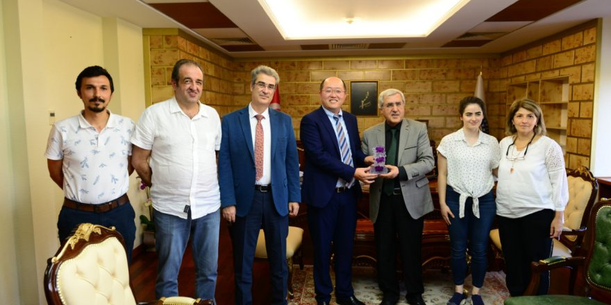 Çin Continental Hope Group CEO'su Qwen Xu'nun Üniversitemiz Rektörü Prof. Dr. Niyazi Can'ı Ziyaretinde İkili İşbirliği Konuları Ele Alındı