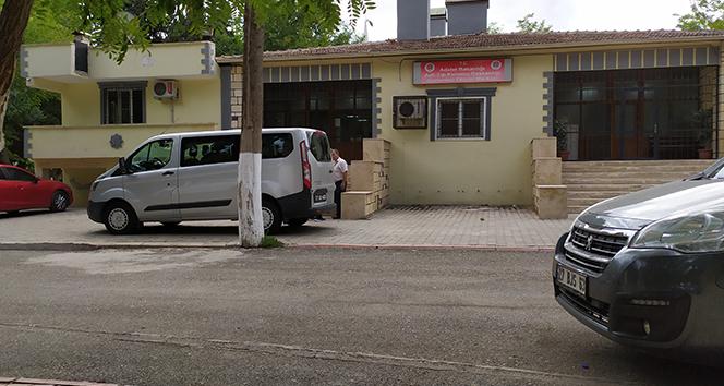 Direksiyon hakimiyeti kaybolan kamyonet devrildi: 1 ölü, 14 yaralı