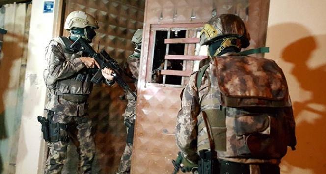 Bursa'da şafak operasyonu, gitar içinde uyuşturucu çıktı