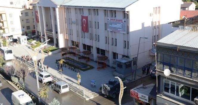 HDP'li belediyelere terör operasyonu!