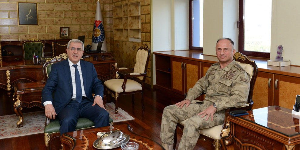 İl Jandarma Komutanı Öksüz, KSÜ Rektörü Can'ı ziyaret etti