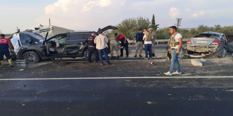 Feci kaza: 1 ölü, başsavcı ile birlikte 9 yaralı