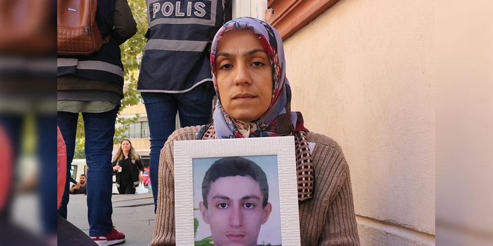 HDP binası önünde eylem yapan anneye tehdit!