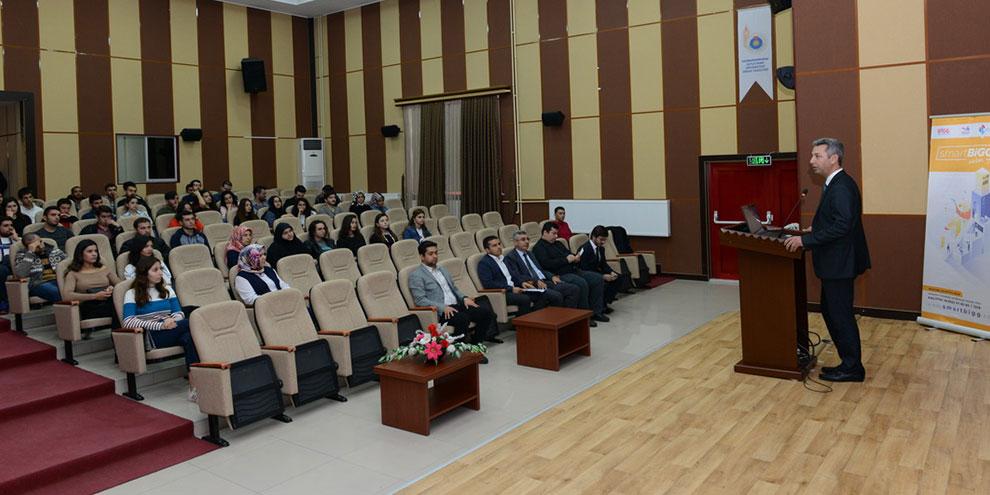 KSÜ'de girişimcilik semineri verildi