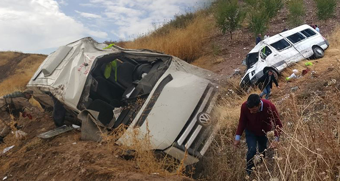 Yolcu minibüsü şarampole yuvarlandı: 19 yaralı
