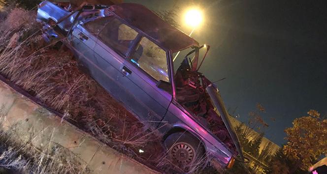 Polisten kaçan araç devrildi, 2 kişi ağır yaralandı