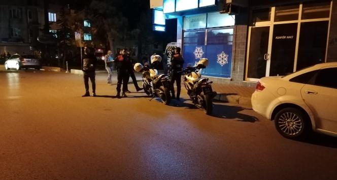 Sokak ortasında abi kardeşe silahlı saldırı: 1 ölü, 1 yaralı