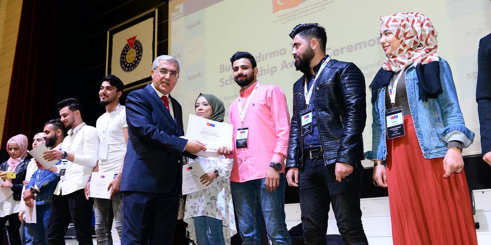 SPARK mezuniyet ve burslandırma töreni KSÜ'de gerçekleştirildi