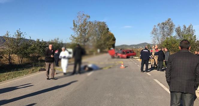 Servis aracıyla otomobil çarpıştı: 1 Ölü, 9 Yaralı