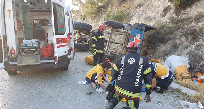 Tarım işçilerini taşıyan traktör devrildi: 9 yaralı