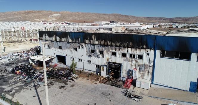 Küle dönen fabrikada zarar 12 milyon TL
