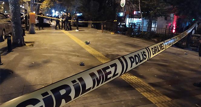 Fatih'te kafede oturan bir kişi silahlı saldırıya uğradı