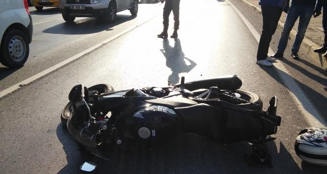Yasak yerden dönüş yapan tıra motosiklet çarptı: 1 yaralı