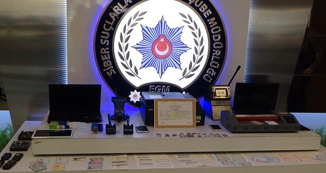Sahte kimlik belgeleriyle bankaları dolandıran şebeke çökertildi: 21 gözaltı