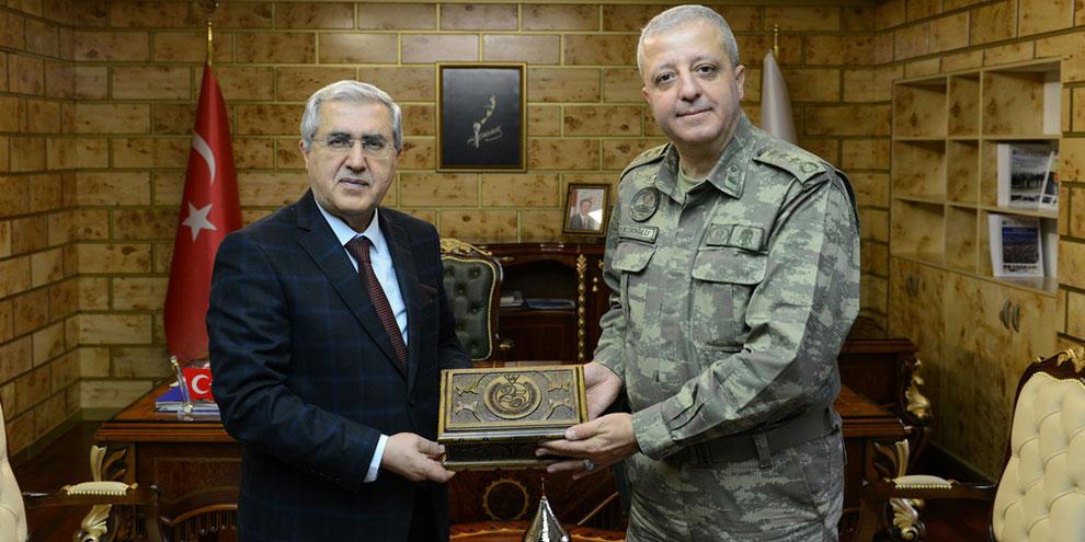 Garnizon Komutanı Terzioğlu'ndan Rektör Can'a ziyaret