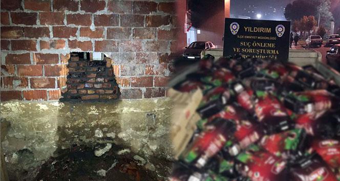 Duvarı delip 90 bin liralık çay çaldılar