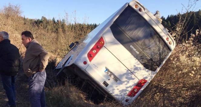 Midibüste ayağa kalkan yolcu şoförün üzerine düştü: 5 yaralı