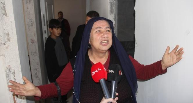 Ev inşaatı bitmeyen kadının gözyaşları