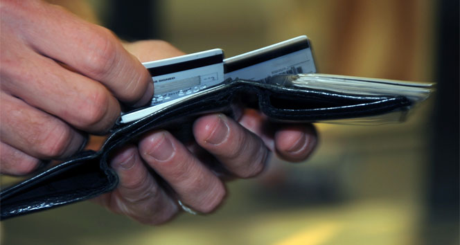 İzinsiz kullandıkları kredi kartı iki kardeşe ölüm getirdi