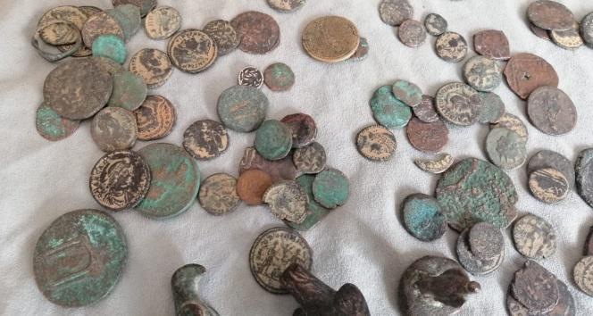 Bolu'da, Bizans ve Roma dönemine ait 142 adet tarihi eser yakalandı