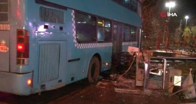 Kartal'da durağa dalan otobüs şoförüne ev hapsi